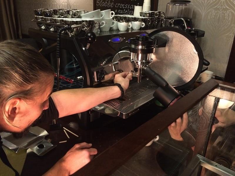 fotenie makro záberov v kaviarni
