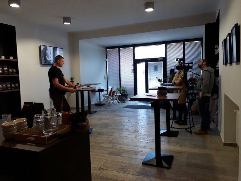 podniková predajňa počas natáčania reportáže