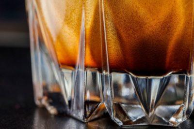 Detail na espresso v priehľadnom skle