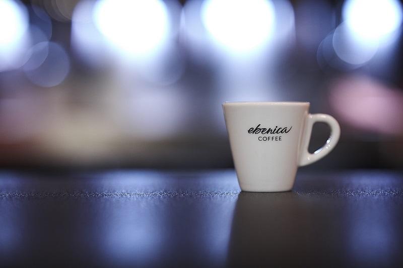 detail šálky na espresso