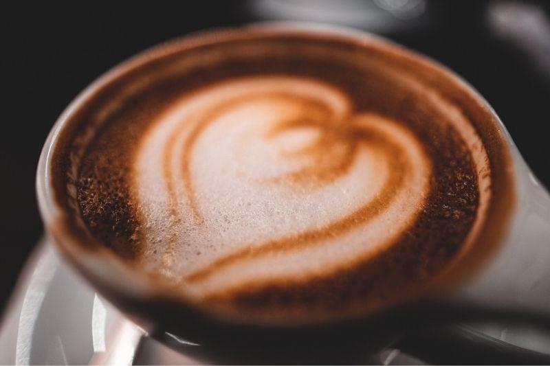 latte art vzor srdca