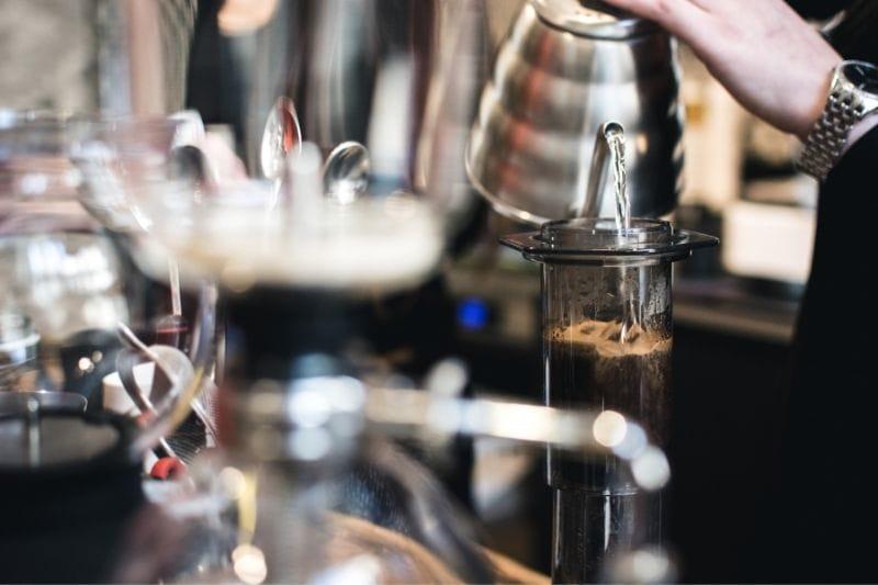 príprava kávy cez Aeropress