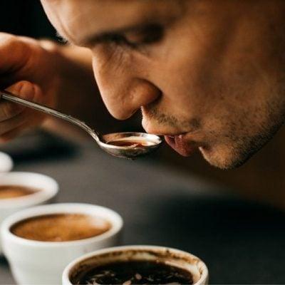 Kde sa v káve berú chuťové tóny?
