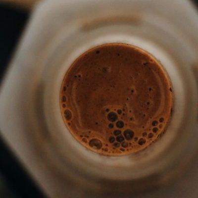 Aeropress: Vynález, ktorý zmenil kávový svet