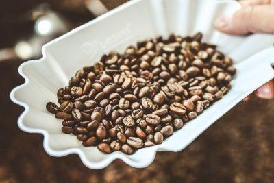upražené kávové zrná detail